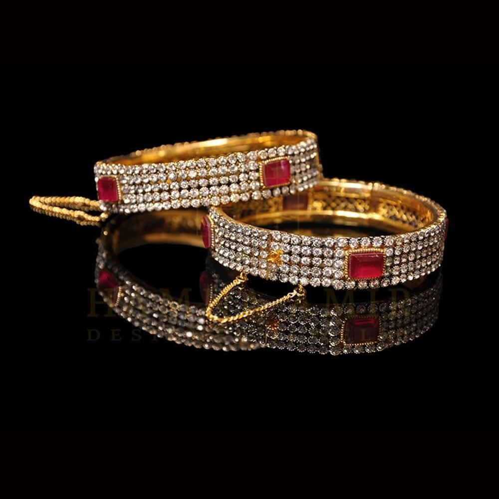 Picture of Ruby onyx and emerald bangle (pair)