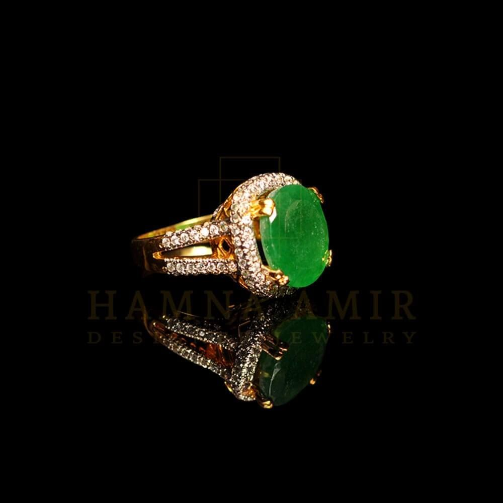 Picture of Emerald zircon ring (a)